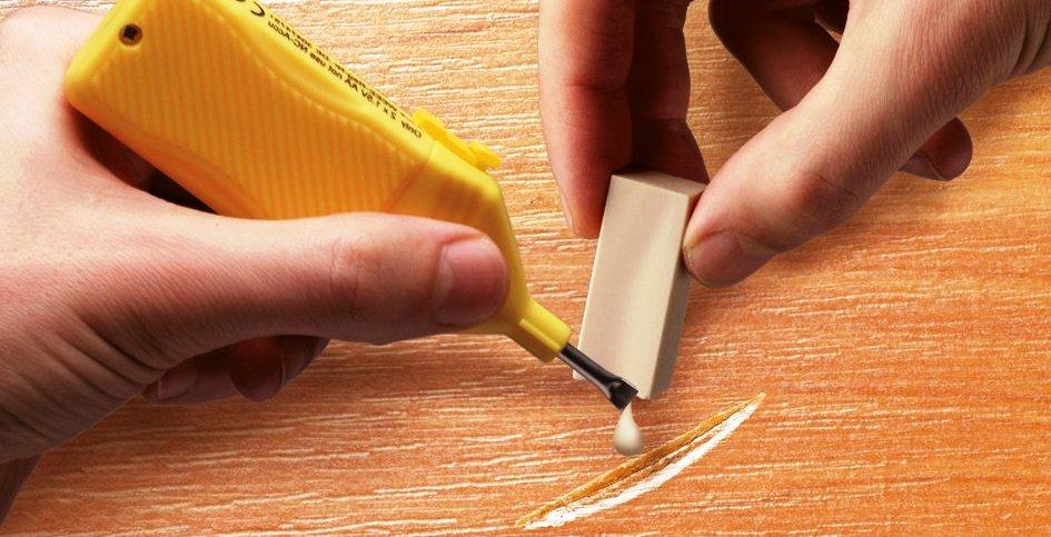 Как устранить царапины на двери